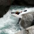 Boof in kayak 25/26 Settembre. Weekend del Boof. Il KTT organizza una due giorni per imparare a booffare, stage per canoisti avanzati. L'idea e mi mettersi su una rapida (anzileggi tutto...
