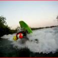 Un po di sano free style serale !! costretti a cercare spot inesistenti in italia un video by Andrea in kayak Andrea Marcello Battista Lorenzo Gange    leggi tutto...